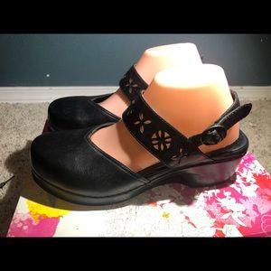 Dansko Black Leather Ankle Strap Sandals Size 41